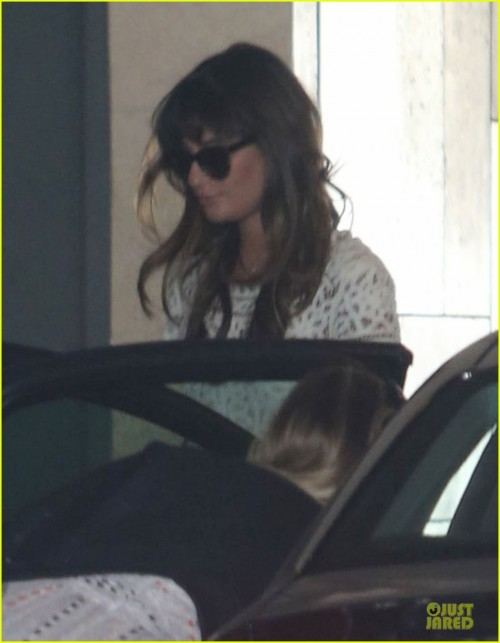 lea-michele-bravely-steps-out-after-cory-monteith-death-02.jpg
