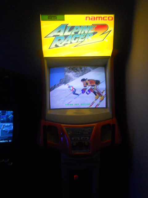 EMPLOYEE GAME ROOM APLINE RACER