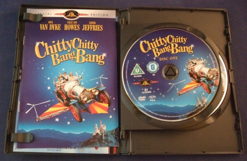 chity_chitty_bang_bang_dvd_r2_open1.jpg