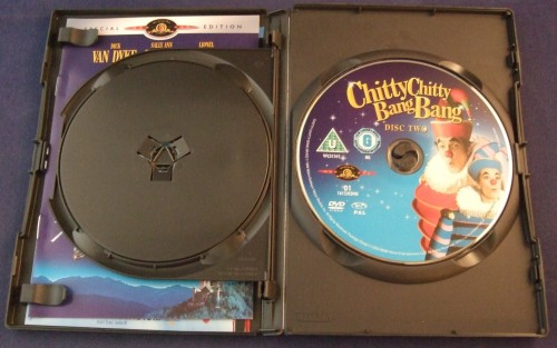 chity_chitty_bang_bang_dvd_r2_open2.jpg