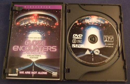 close_encounters_dvd_r2_open1.jpg