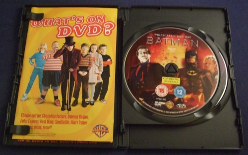 Batman dvd r2 open1