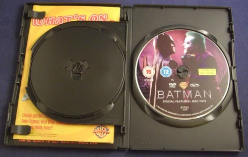 batman_dvd_r2_open2.jpg