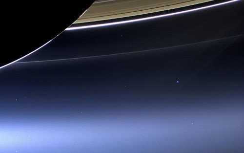 Saturn_Earth.jpg