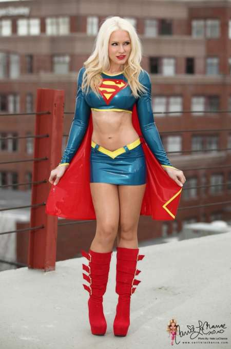 Cosplay-Supergirl-Coslayer-CarrieLachance_PhotoRedukto.jpg