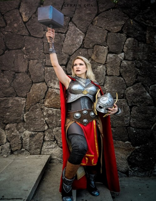 Cosplay-APoderosaThor-Cosplayer-LadyLemon.jpg