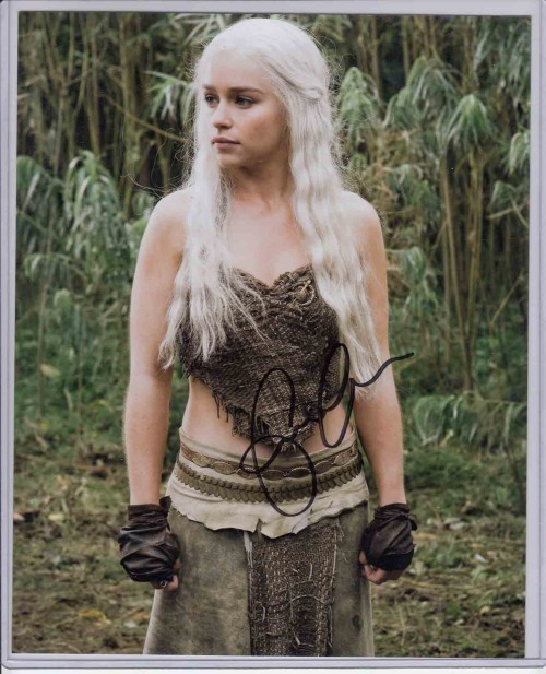 Emilia-Clarke-as-Daenarys-Targaryen-Game-of-Thrones-8x10-Autograph-Photo-655.jpg